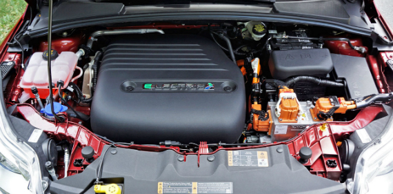 17_ford_focus_electric_engine