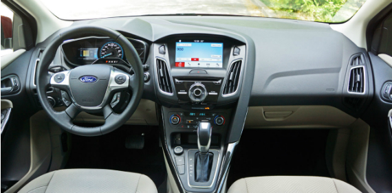 17_ford_focus_electric_overall-dashboard