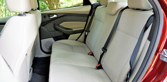 17_ford_focus_electric_rear-seat