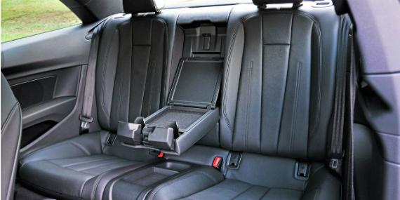 18_audi_a5_quattro_rear-seat