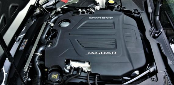 18_jaguar_f_type_r_coupe_11000