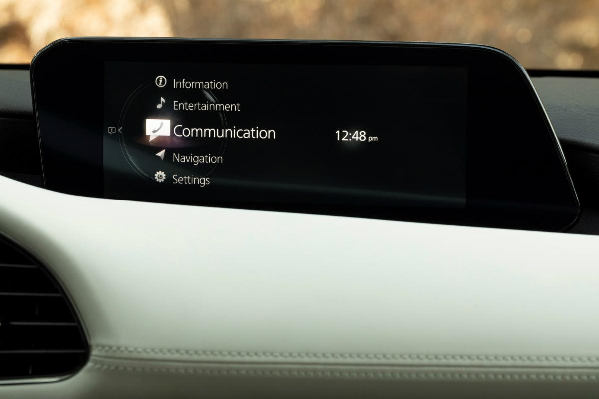 2019-Mazda3-Sedan_40